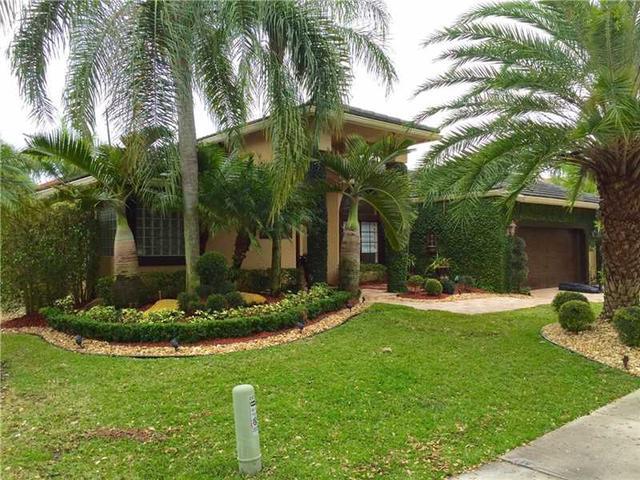 2674 Oakbrook Dr, Fort Lauderdale FL 33332