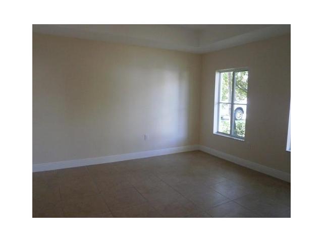 363 NE 30 Ave, Homestead, FL 33033