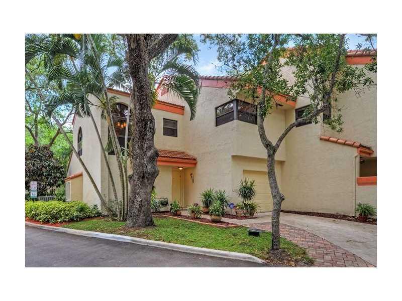 3227 Old Oak Ln #APT 1201, Hollywood, FL