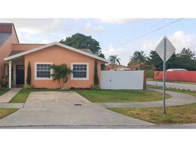 11001 SW 38th Ln, Miami FL 33165