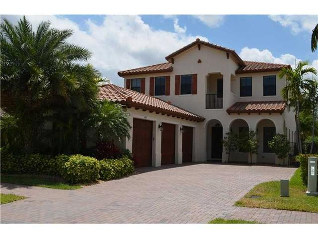 4054 NW 85th Ave, Hollywood FL 33024