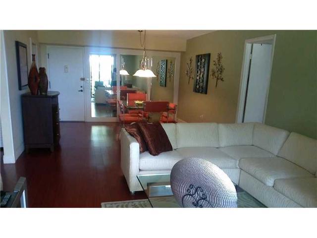 1400 St Charles Pl #APT L8, Hollywood FL 33026
