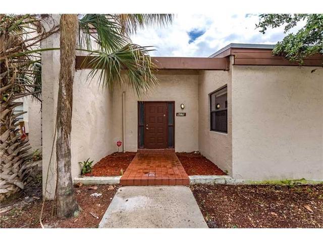 9270 NW 16th St, Pembroke Pines FL 33024