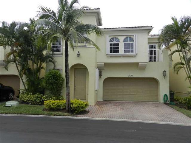 21128 NE 31st Pl, Miami FL 33180
