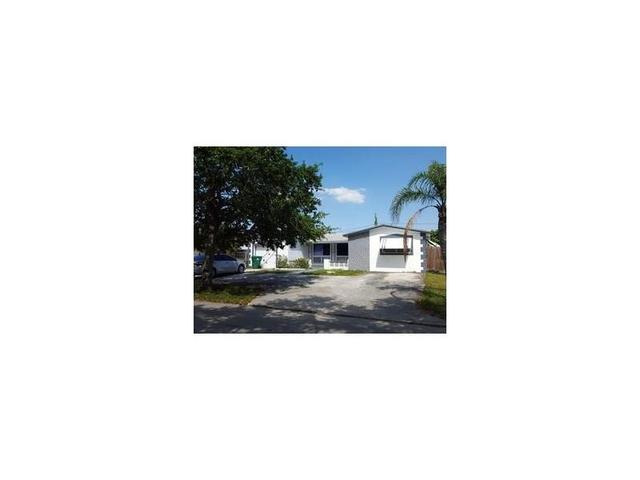 3613 Largo Dr, Pembroke Pines FL 33023