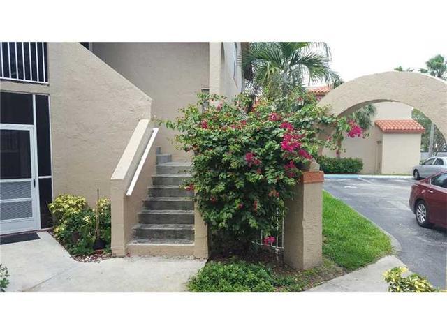 8768 SW 3rd St #APT 101, Hollywood FL 33025