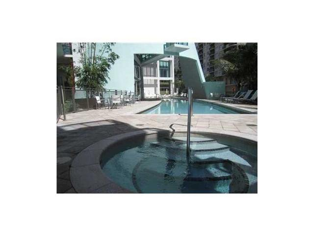 6000 Collins Ave #APT 332, Miami Beach FL 33140
