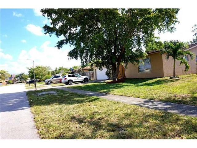2340 NW 101st Ter, Fort Lauderdale FL 33322