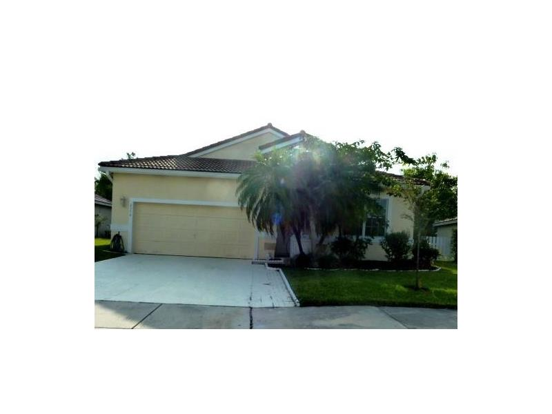 2370 NW 166th Ave, Pembroke Pines, FL