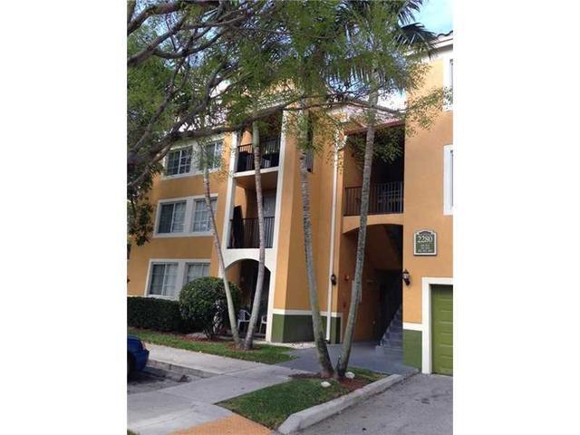 2280 E Preserve Way #APT 301 Hollywood, FL 33025