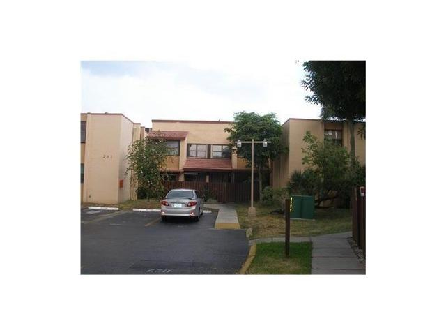 575 W Park Dr #APT 204, Miami FL 33172
