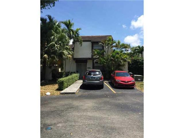 565 NW 100th Ct #APT 565, Miami FL 33172