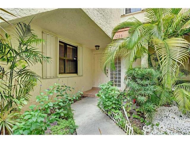3228 Laurel Oaks Ln #APT 504, Hollywood, FL