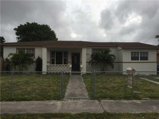 560 NW 184th Ter, Miami, FL