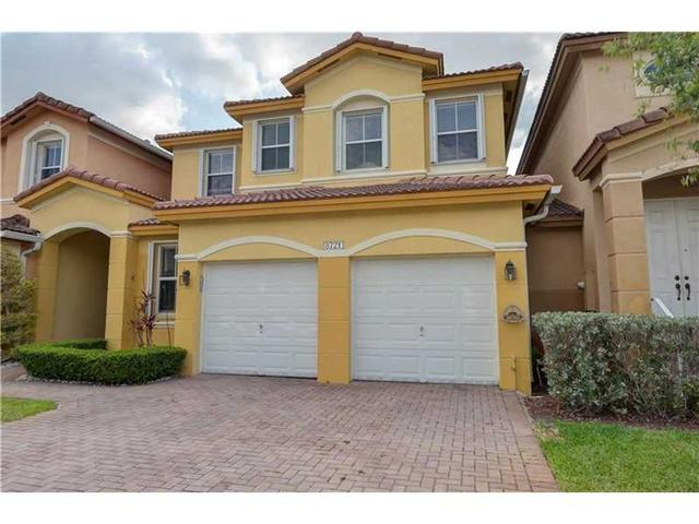 8721 NW 111th Ct, Miami FL 33178