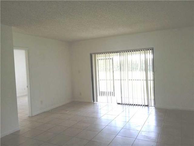 126 S Cypress Rd #APT 716, Pompano Beach FL 33060