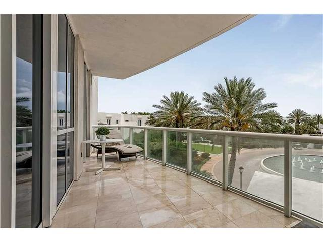 50 S Pointe Dr #605, Miami Beach, FL 33139