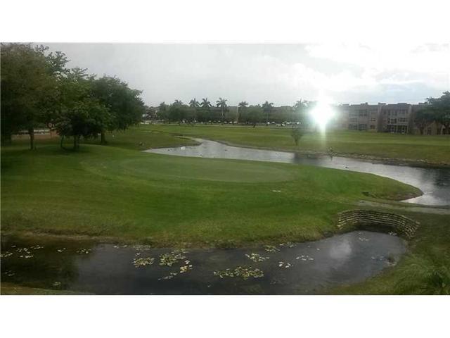 9841 NW Sunrise Lakes Blvd #APT 304, Lauderhill FL 33319