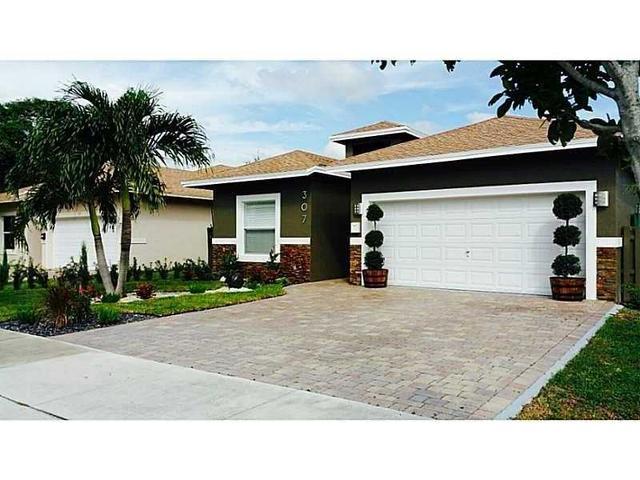 307 SW 2nd Ave, Dania, FL