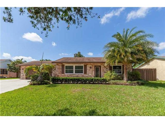 214 Bobwhite Rd, West Palm Beach, FL