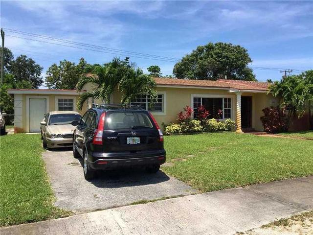 841 NW 179th St, Miami, FL