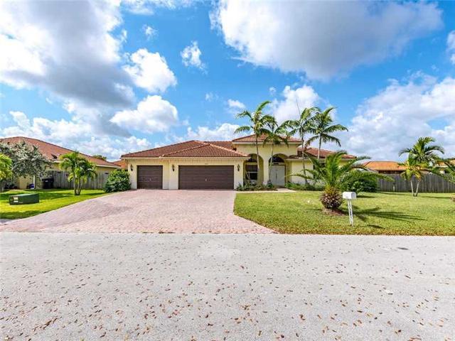 13222 SW 216th Ter, Miami, FL