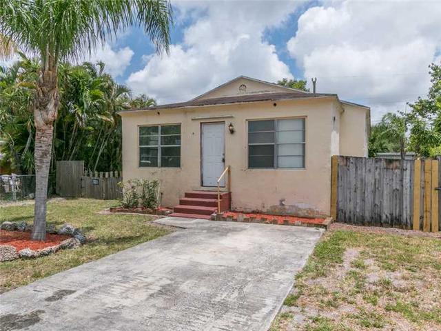 6107 Hayes St, Hollywood, FL