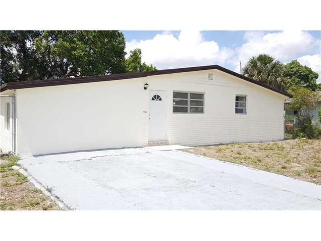 4321 NW 186th St, Opa Locka, FL