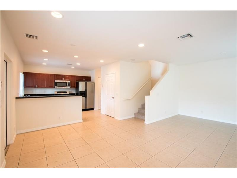 630 NW 10th Terrace #4, Fort Lauderdale, FL 33311