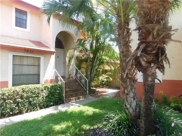 3437 Foxcroft Rd, Hollywood FL 33025
