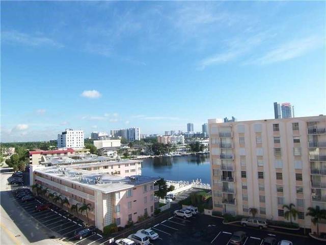 437 Golden Isles Dr #7I, Hallandale, FL 33009
