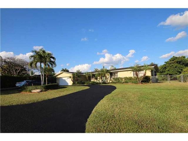 17621 SW 93rd Ave, Miami, FL