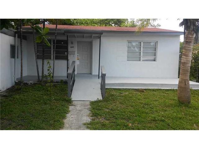225 NW 133rd St, Miami, FL