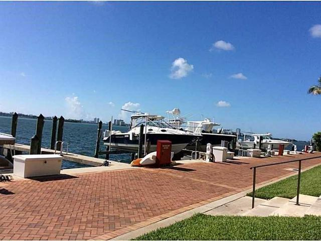 1000 Quayside Ter #APT 902, Miami, FL