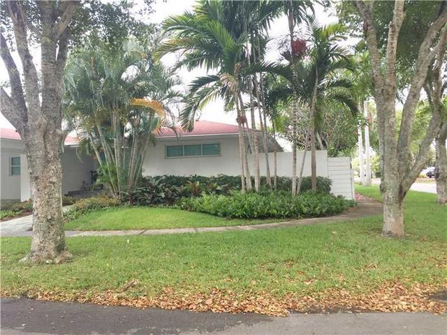 12934 Ixora Cir, Miami, FL