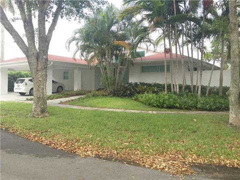 12934 Ixora Cir, North Miami, FL 33181