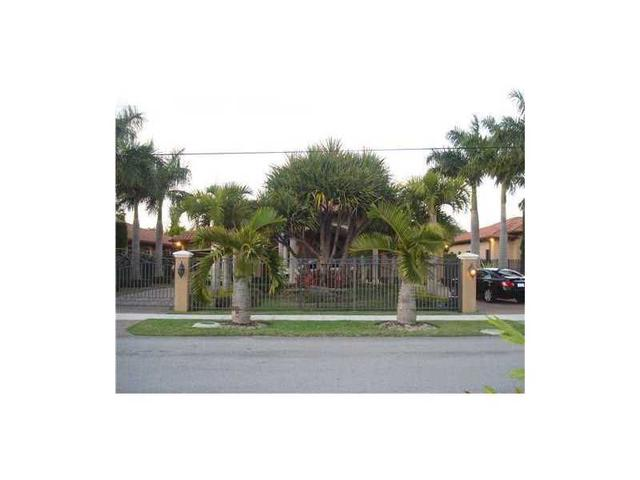10735 SW 34th St, Miami, FL 33165