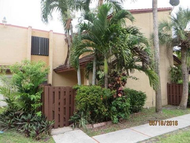 211 W Park Dr #1-205 Miami, FL 33172