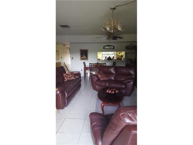 371 W Park Dr #14-17 Miami, FL 33172