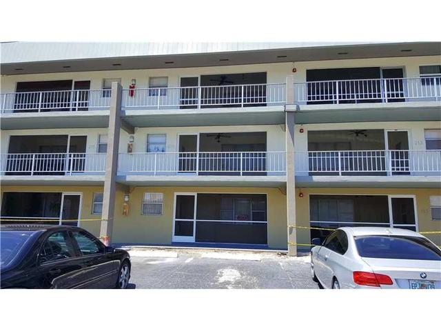 250 Layne Blvd #114, Hallandale, FL 33009