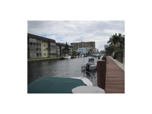 3701 NE 168th St #121, North Miami Beach, FL 33160