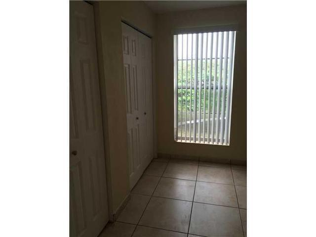 10393 N Nort Kendall Dr #U-6, Miami, FL 33186