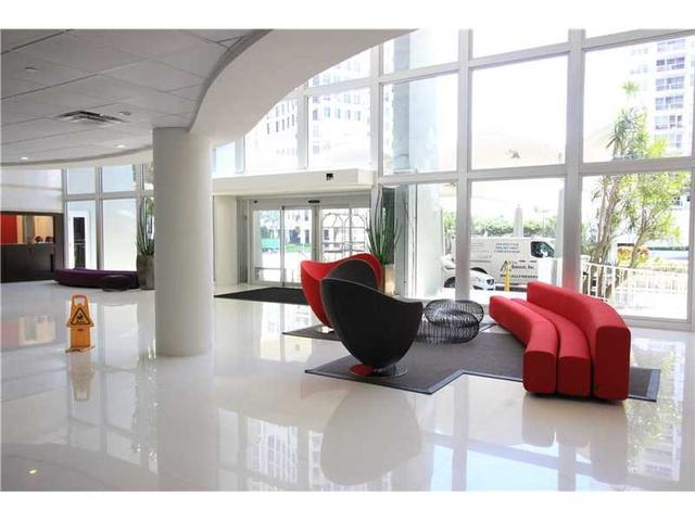 5701 Collins Ave #PH15, Miami Beach, FL 33140