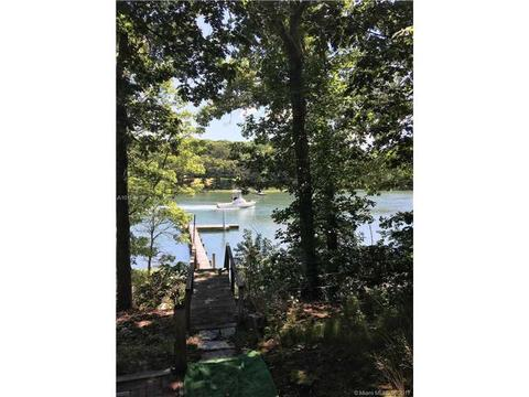 620 North Dr, Other City - Not In The State Of Florida, NY 11952