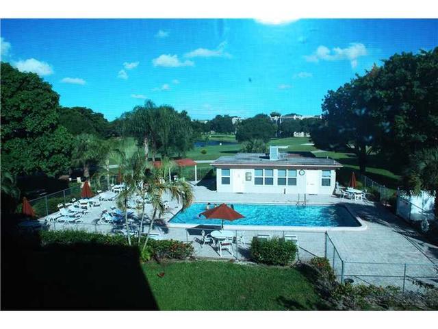 9441 Evergreen Pl #307, Davie, FL 33324