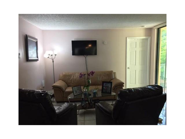 11800 SW 18th St #304-4 Miami, FL 33175