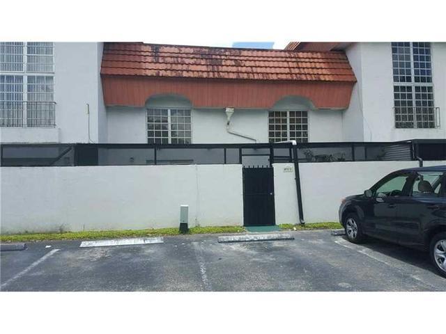 10907 SW 88th St #313, Miami, FL 33176
