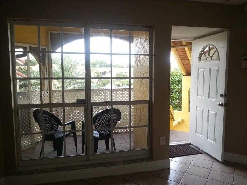 15655 SW 74th Circle Drive #6-6, Miami, FL 33193