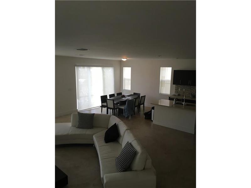 10503 NW 70th Lane, Doral, FL 33178