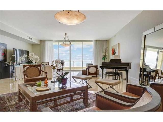 17875 Collins Ave #PH4701, Sunny Isles Beach, FL 33160